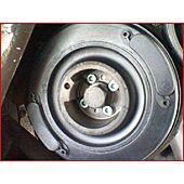 Outil de maintien de roue dentée de volant image